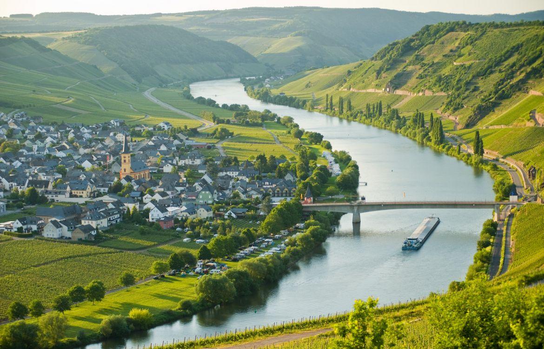 Moselschleife zwischen Leiwen und Trittenheim